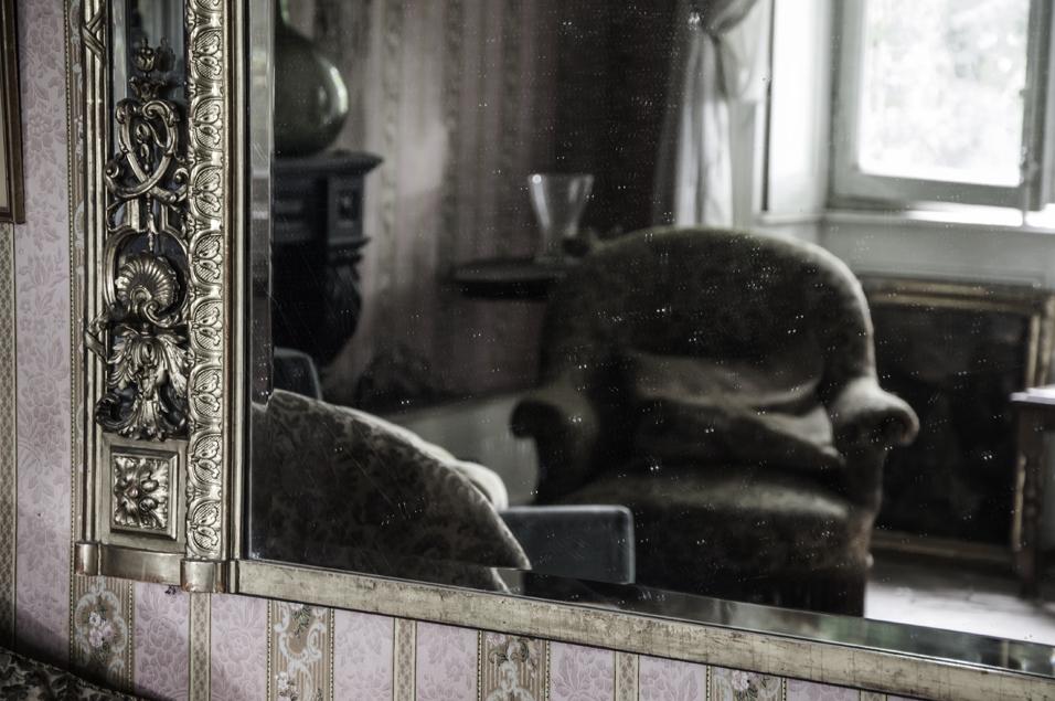 La maison du gendarme for La maison du miroir